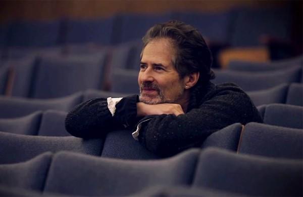 جیمز هورنر در سالن سینما